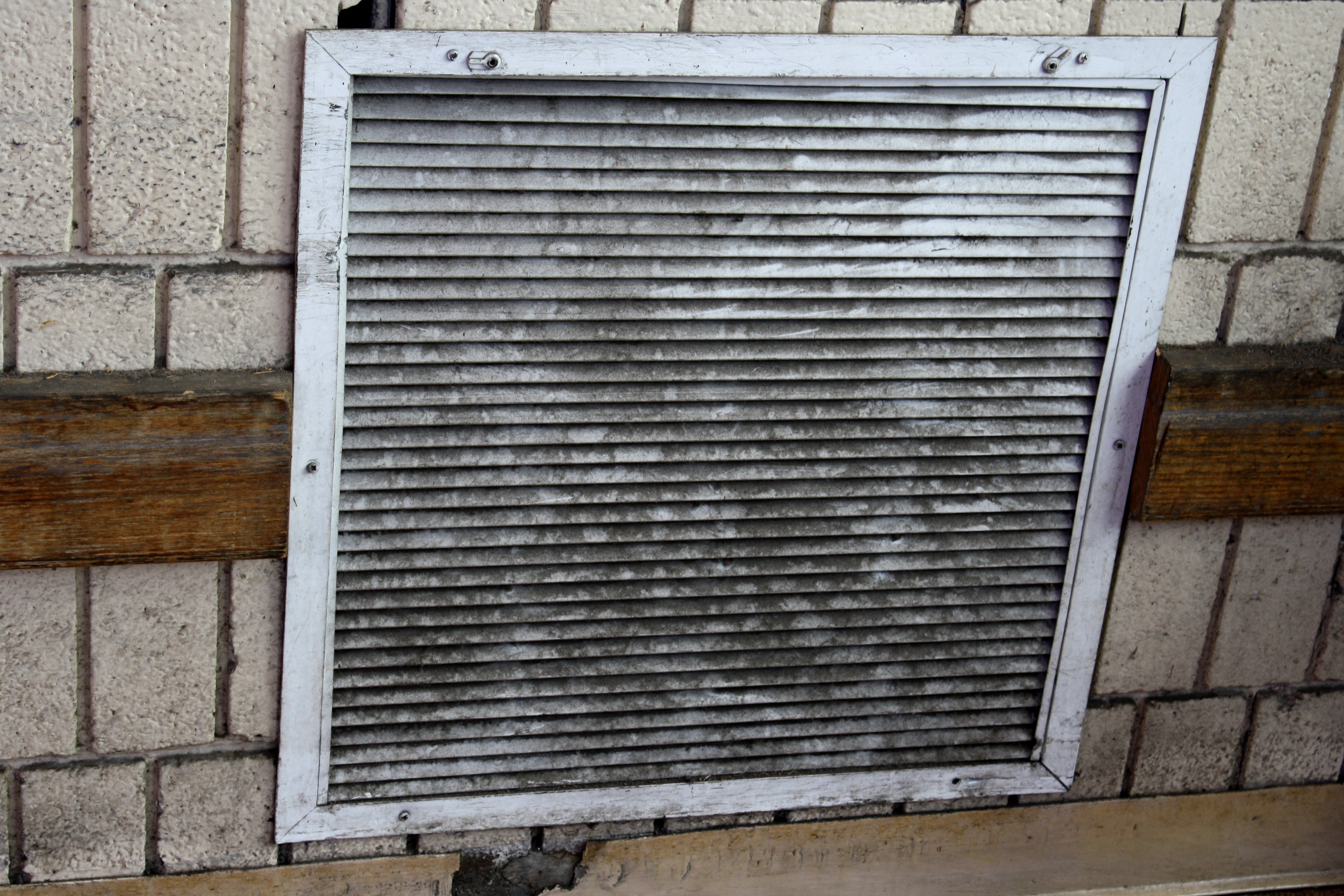 Dirty Ventilation Duct Cover Picture.