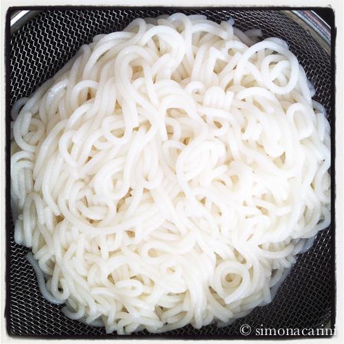 vermicelli di riso fatti in casa / homemade bun rice noodles.