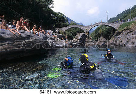 Stock Photography of Scuba divers in river, Lavertezzo, Valle.
