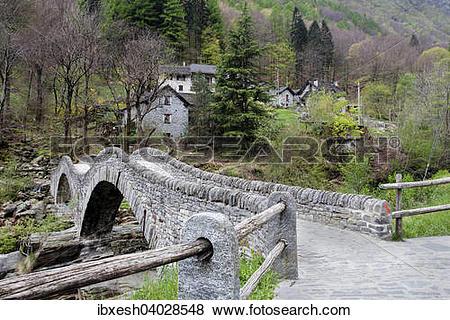 "Pictures of ""Ponte dei Salti, 17th century, Verzasca River."