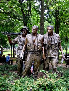 Vietnam War Memorial by William Yager. Description: Soldier.