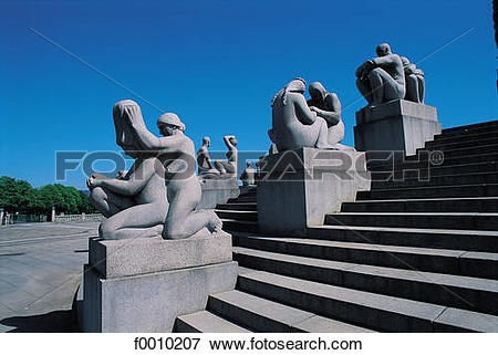 Picture of Oslo, Vigeland park statues f0010207.