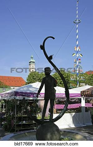 Stock Photograph of Karl Valentin statue, Viktualienmarkt, Munich.