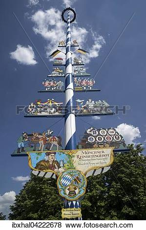 Pictures of May pole, Viktualienmarkt, Munich, Bavaria, Germany.