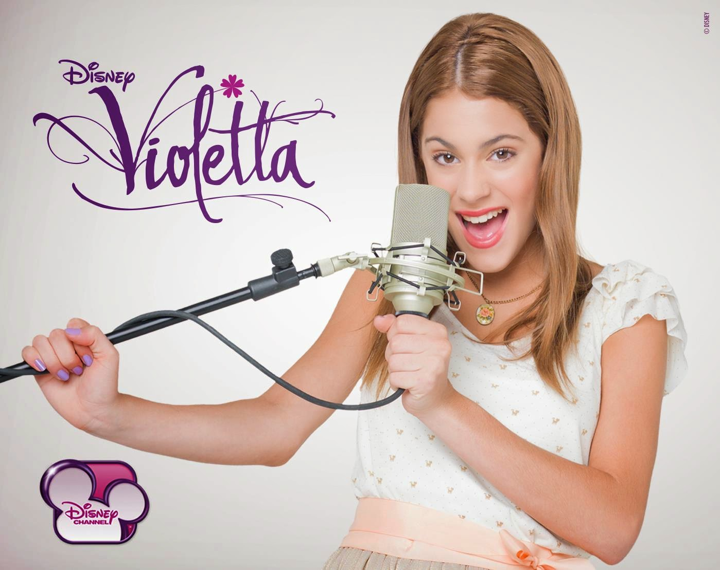 Violetta: Free Printable Images to use as Invitations..