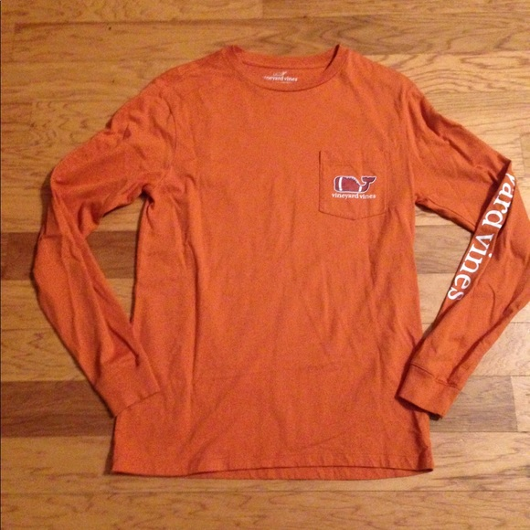 Vineyard Vines Texas Longhorn Themed Logo Shirt.