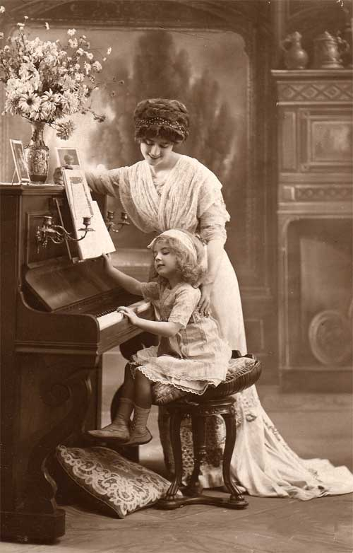 piano_piano teacher_piano student_antique.