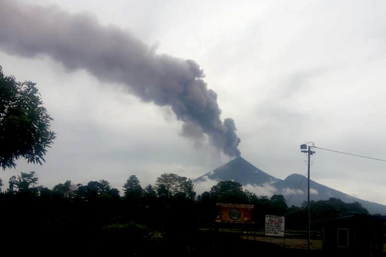 Papua New Guinea volcanic eruptions force 15,000 from their homes.