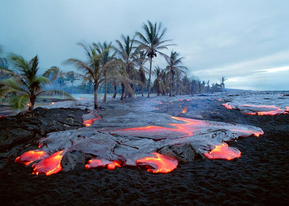kamoamoa volcano beach, hawaii photo.