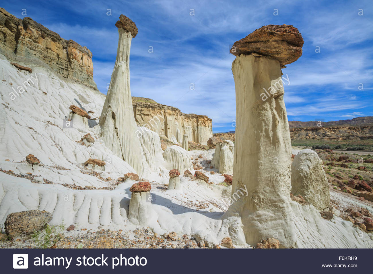 Hoodoos In Wahweap Creek Basin Near Big Water, Utah Stock Photo.