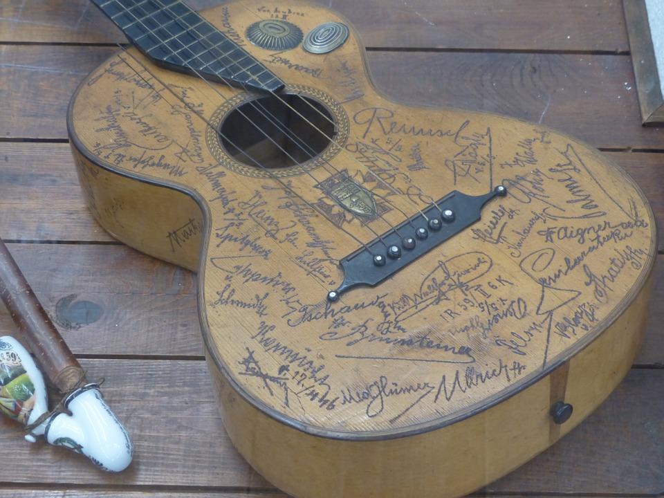 Free photo: Guitar, Engraving.