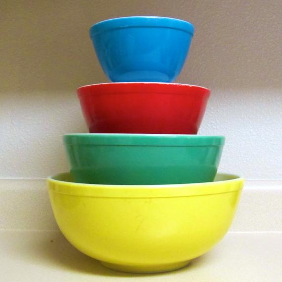 Dating pyrex mixing bowls.
