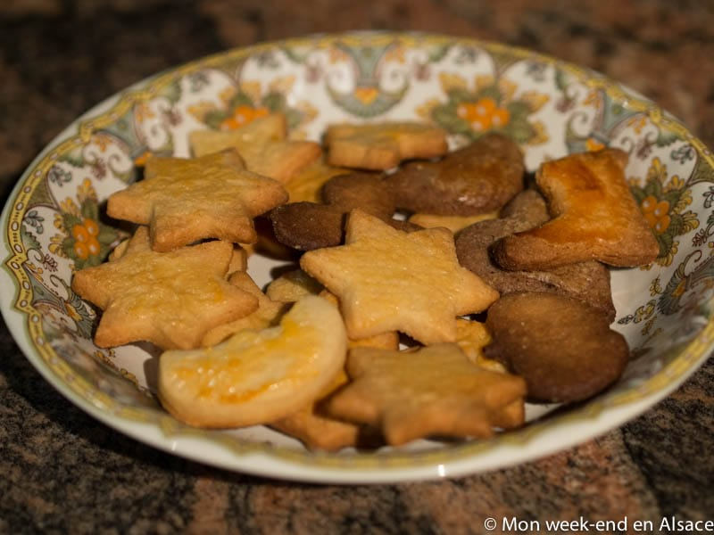 8 recipes of Christmas Bredele (small Alsatian cookies.