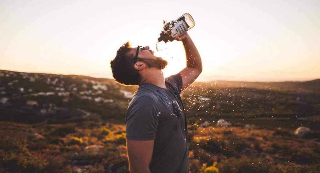 6 benefits of staying hydrated.