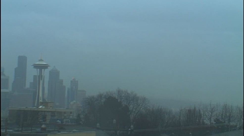 2011 weather in Seattle: 15 inches of mostly cloudy.