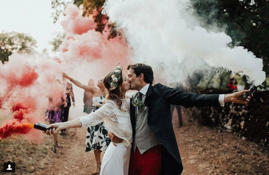 SMOKE EFFECTS FOR WEDDING PHOTOGRAPHY.