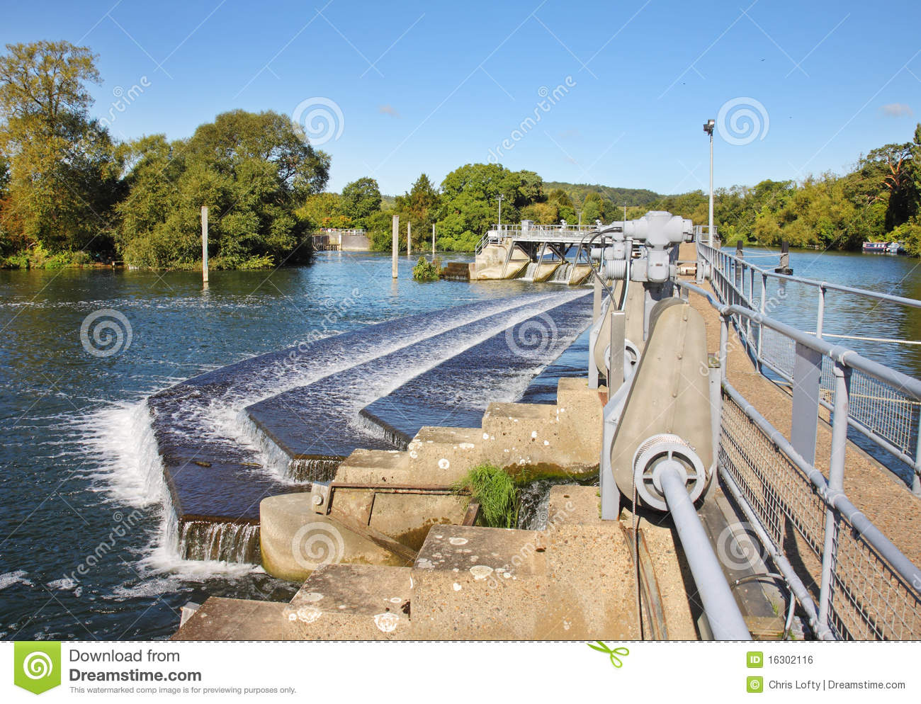 Weir And Sluice Gate On The River Thames Royalty Free Stock Image.