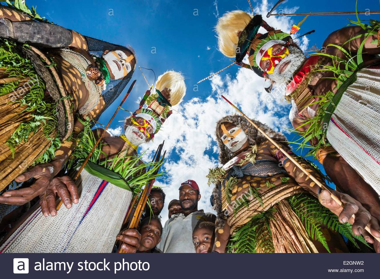 Papua New Guinea Western Highlands Province Wahgi Valley men and.