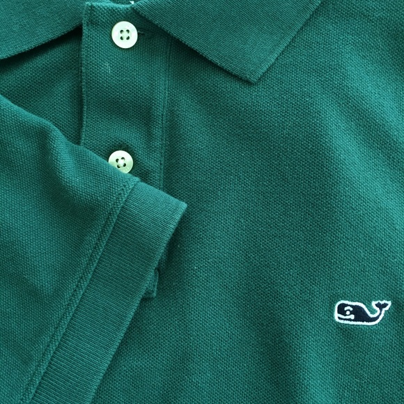 VINEYARD VINES Pique Whale Logo Polo Golf Shirt.