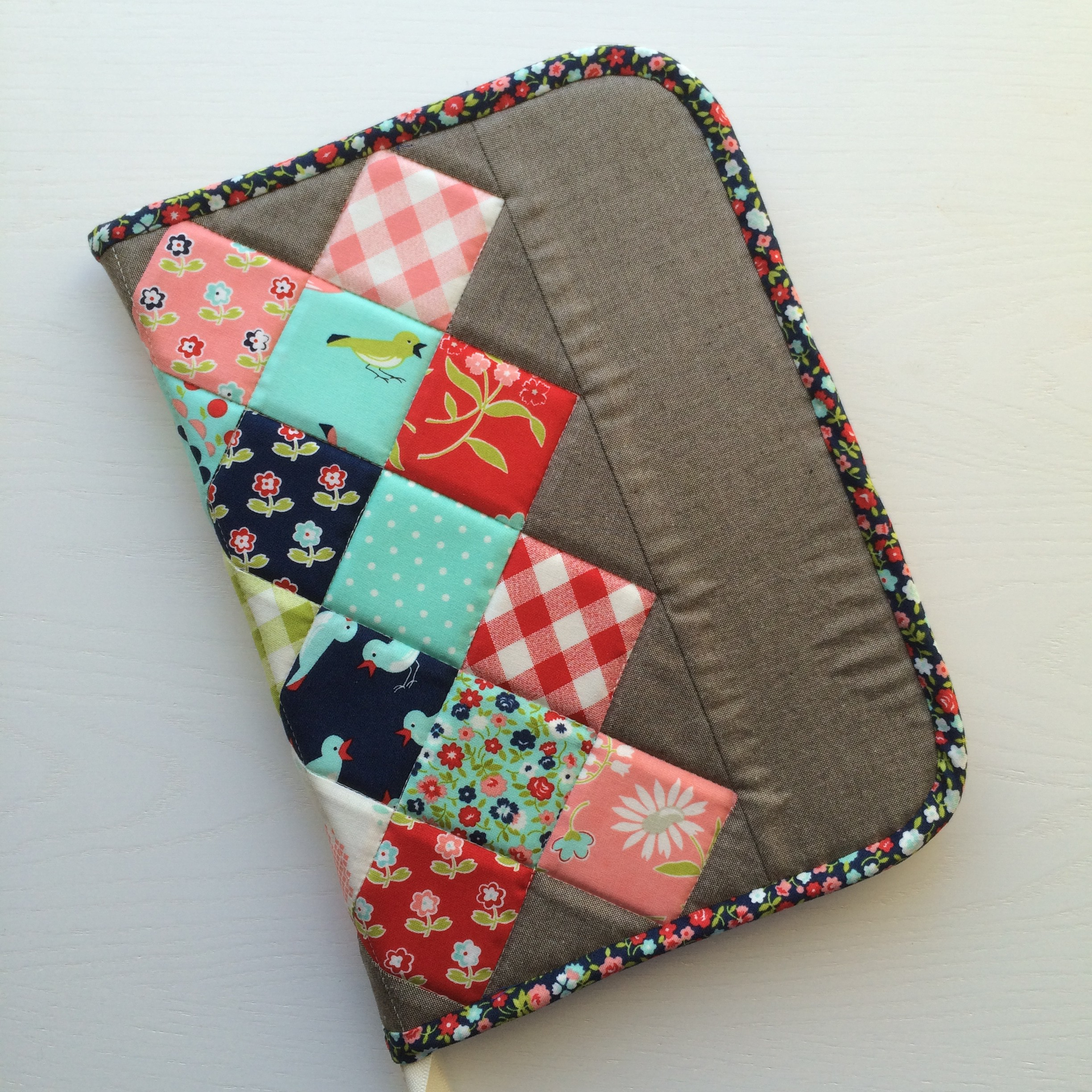 Great Granny Twist : A modified OHSZippedCase!.