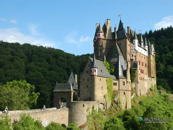 Burg.
