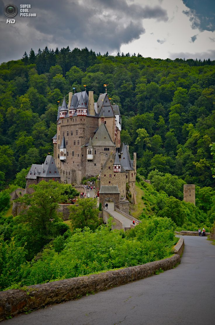1000+ images about castles, palaces and houses on Pinterest.