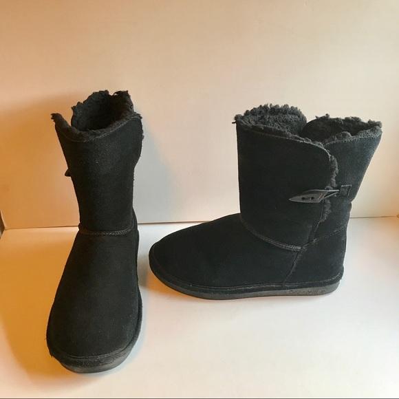 BearPaw Winter Boots With Heavy Tread.