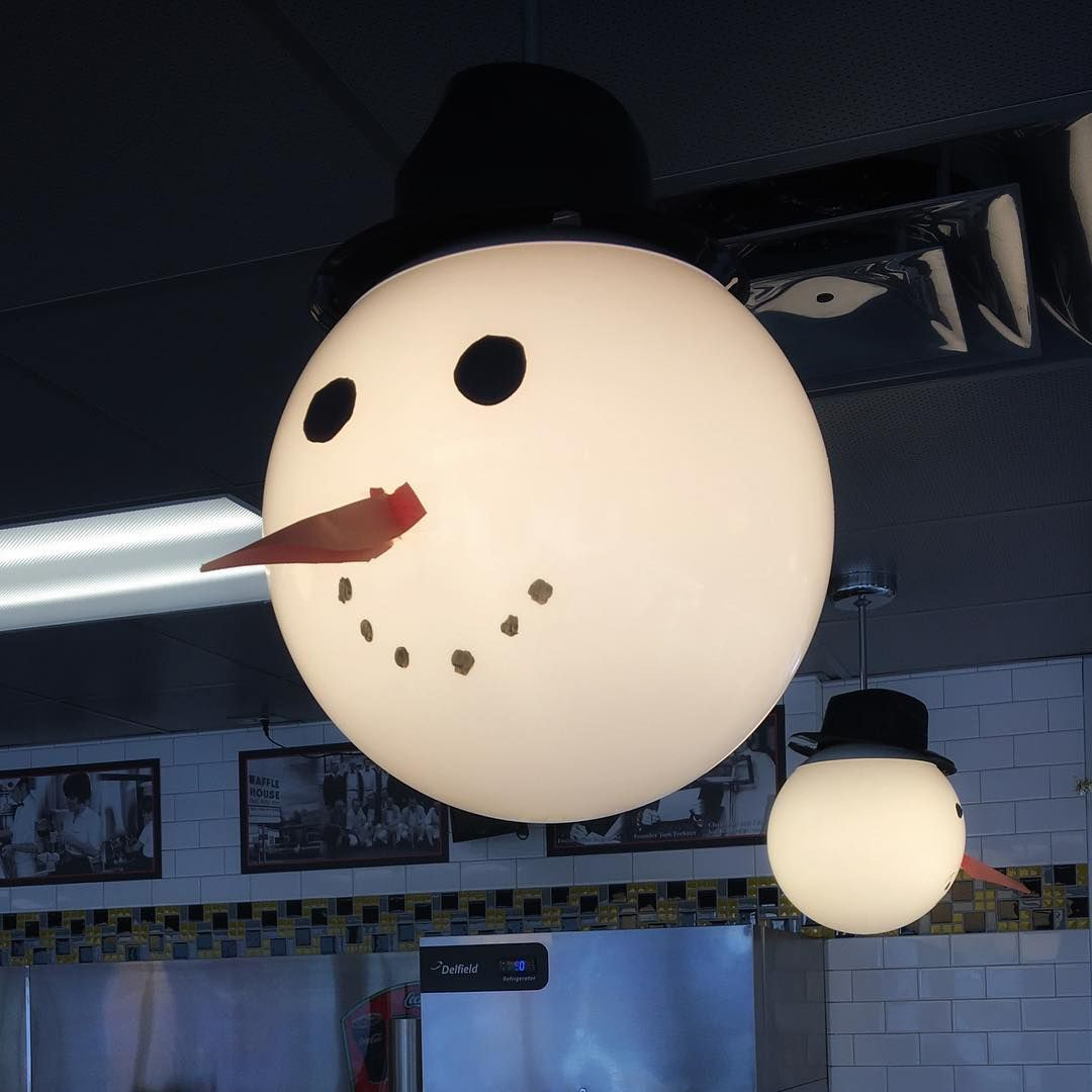 Waffle House Christmas and Winter decoration.