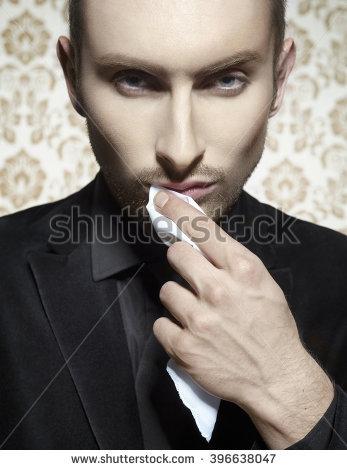 Wiping Mouth Lizenzfreie Bilder und Vektorgrafiken kaufen.