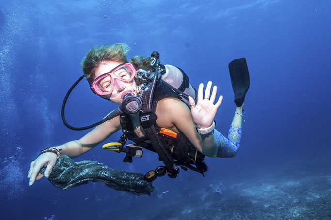 Can you scuba dive on your period? Myths, facts and advice.