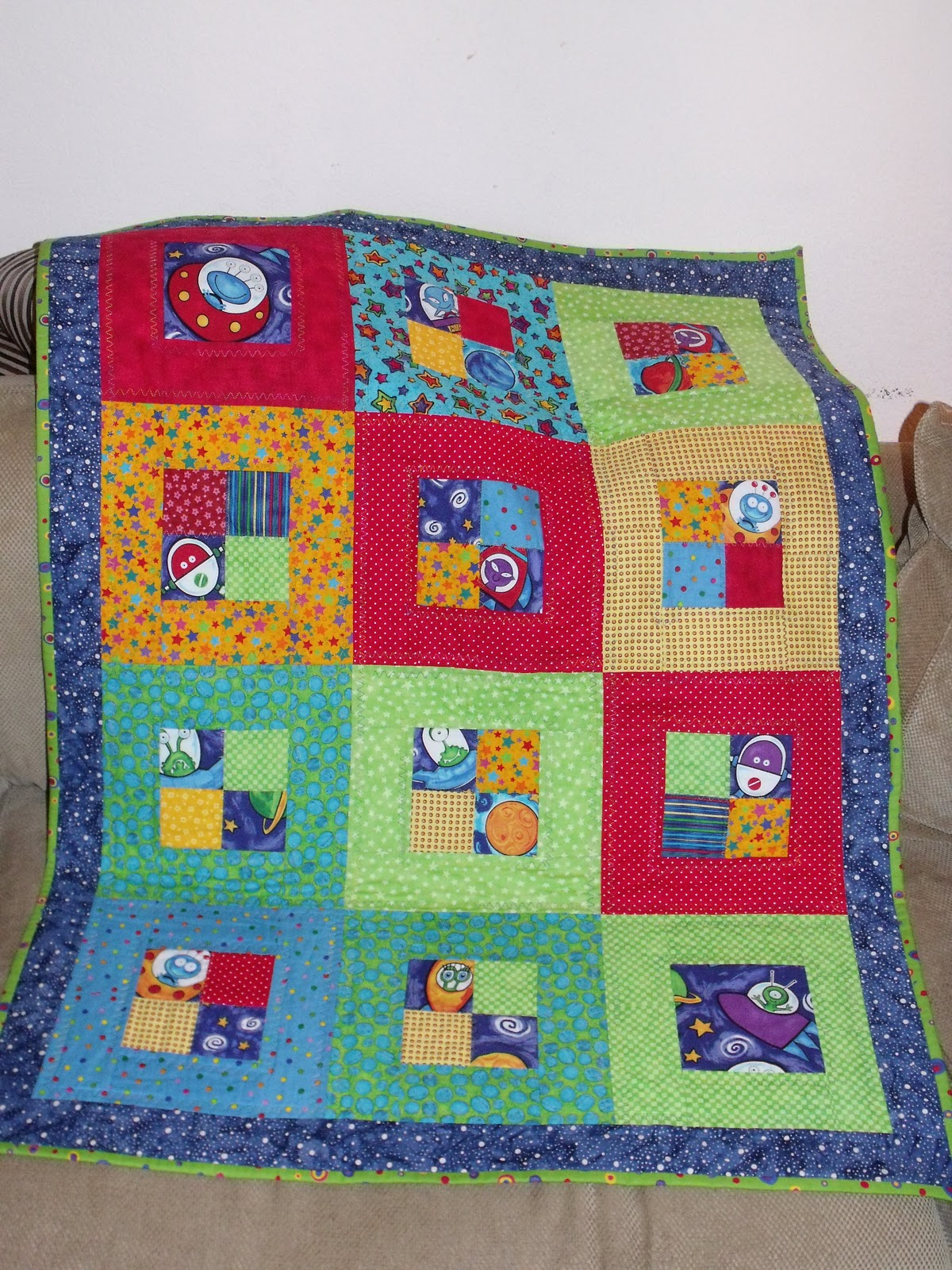 comfree quilt pattern. patchwork quilt a vector. baby quilt.