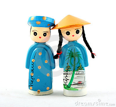Two Wooden Vietnamese Dolls Girl And Boy Over White #9RIdL4.