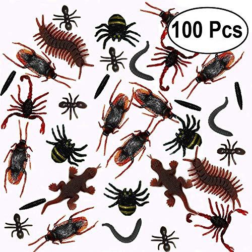 100Pcs Plastic Realistic Bugs Insects Fake Cockroaches.
