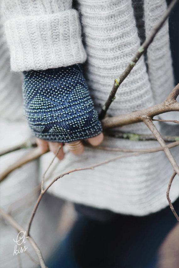 Knit wrist warmers.