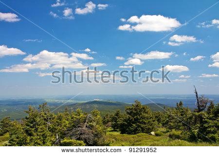 Harz Mountains Lizenzfreie Bilder und Vektorgrafiken kaufen.