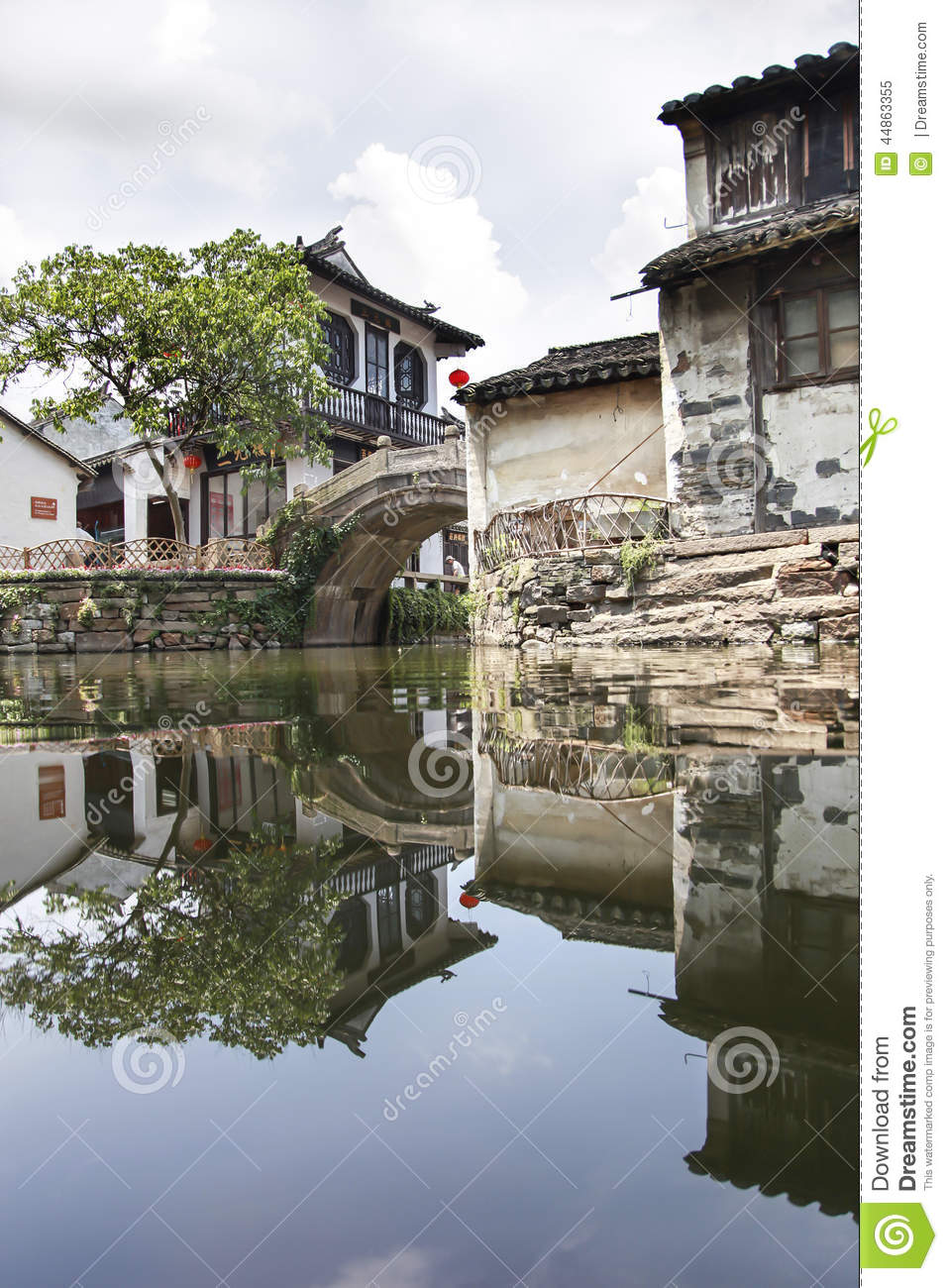 Reflect Of Old Building In Hangzhou Wuzhen Water Town, Zhejiang.