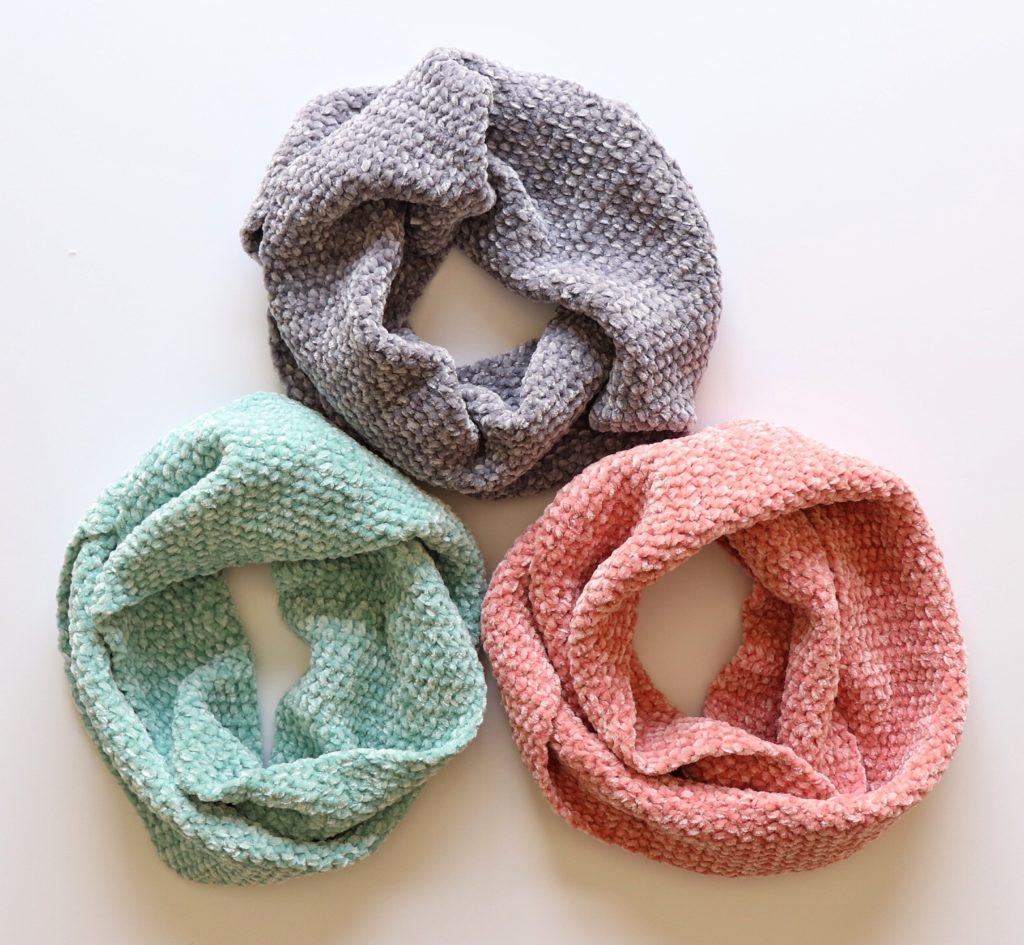 Simple Crochet Velvet Infinity Scarf.