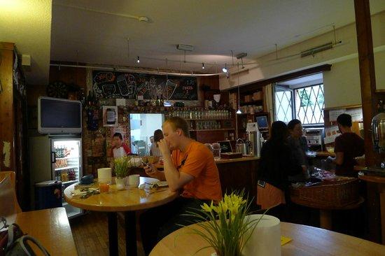 cafe/bar.