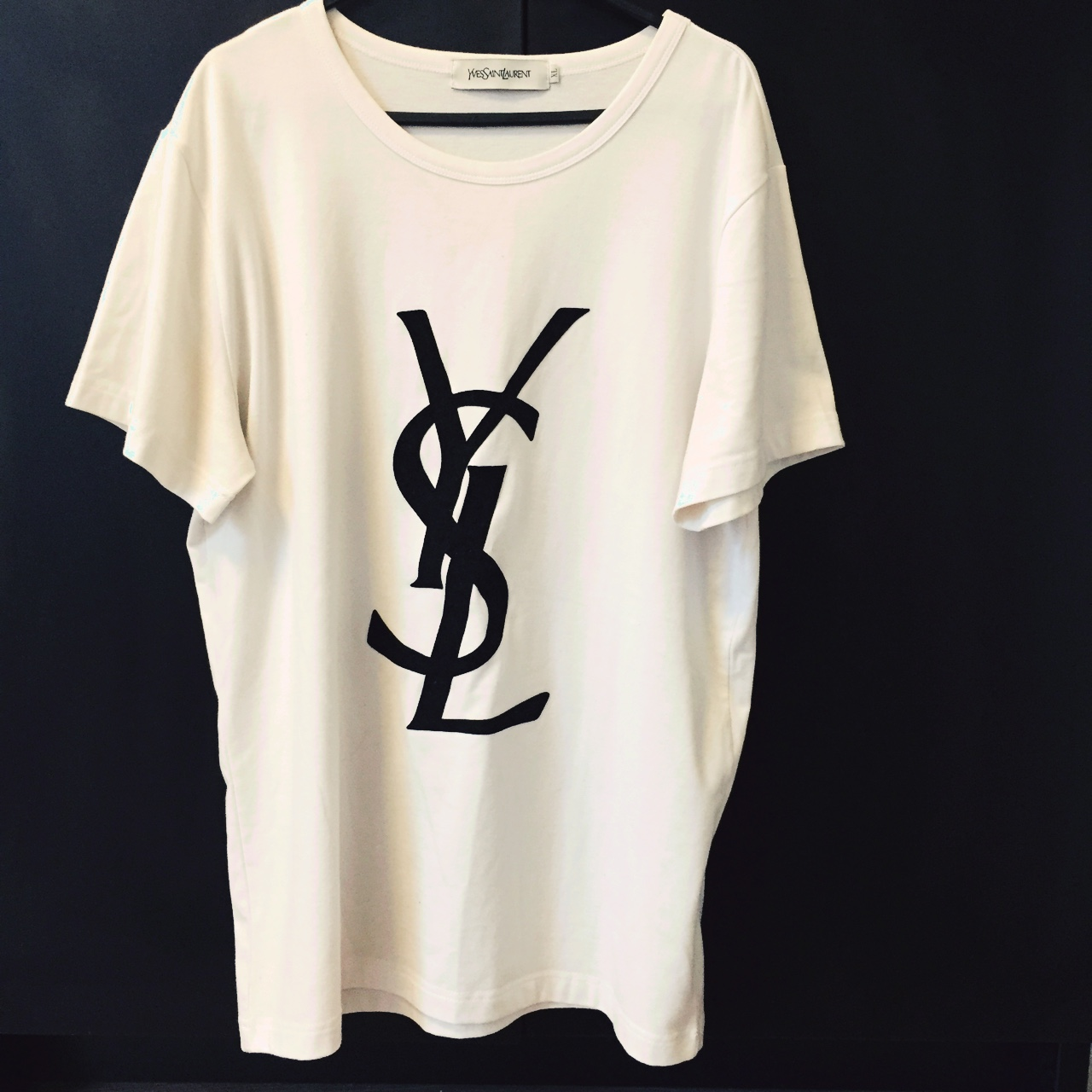 Yves Saint Laurent logo t.