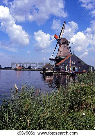 Stock Image of Windmill, Zaanse Schans, Holland. k9379065.
