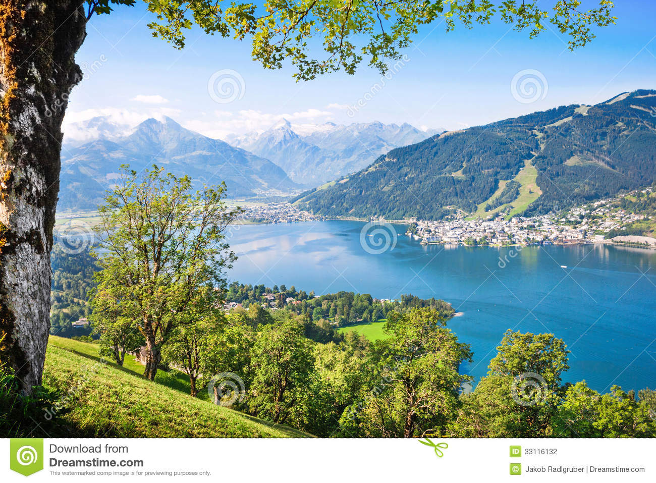 Beautiful Landscape With Alps And Mountain Lake In Zell Am See.