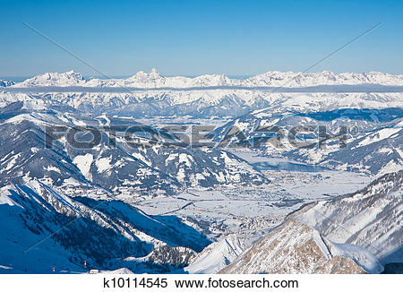 Stock Image of Ski resort and the mountains of Zell am See.