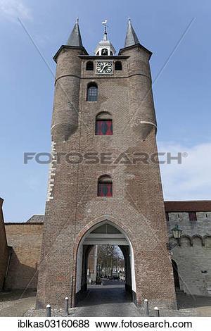 """Pictures of """"Zuidhavenpoort, medieval port gate, Zierikzee."""