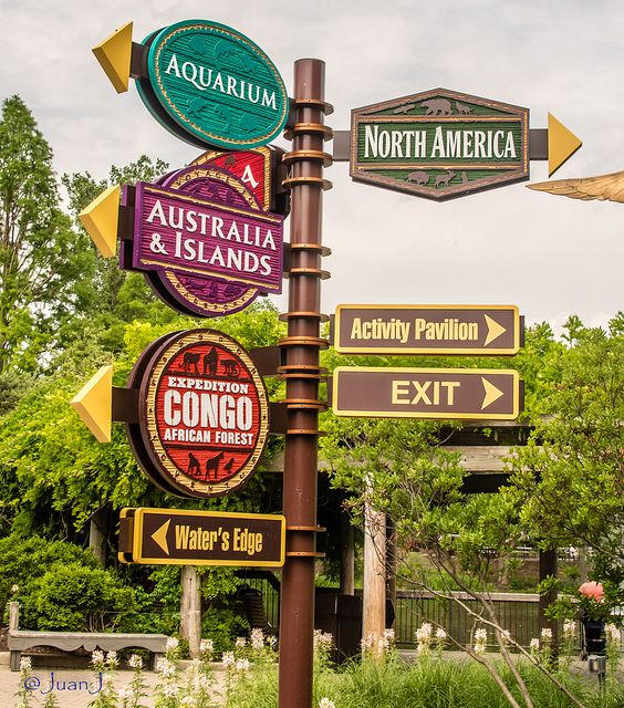 Columbus Zoo Signs.