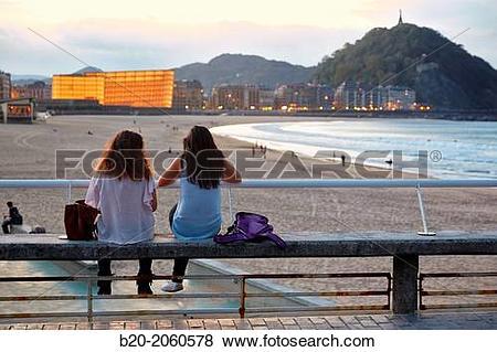 Pictures of La Zurriola beach, Kursaal center, Donostia (San.